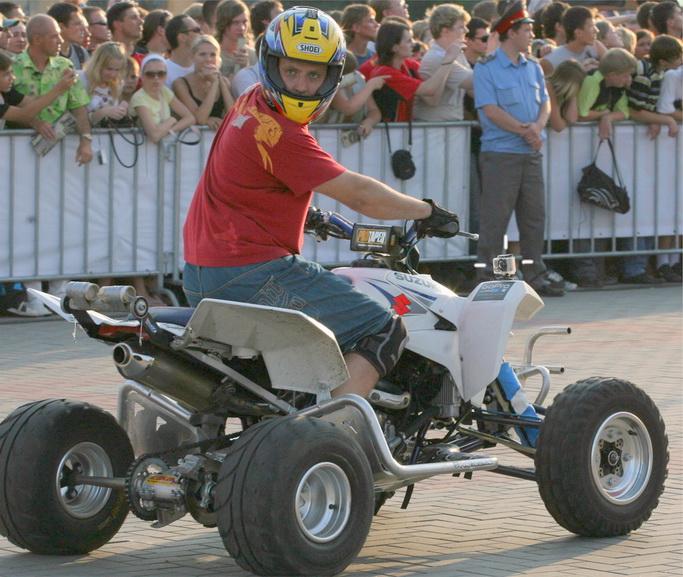 Экстремальная видеокамера gopro hd motorsports